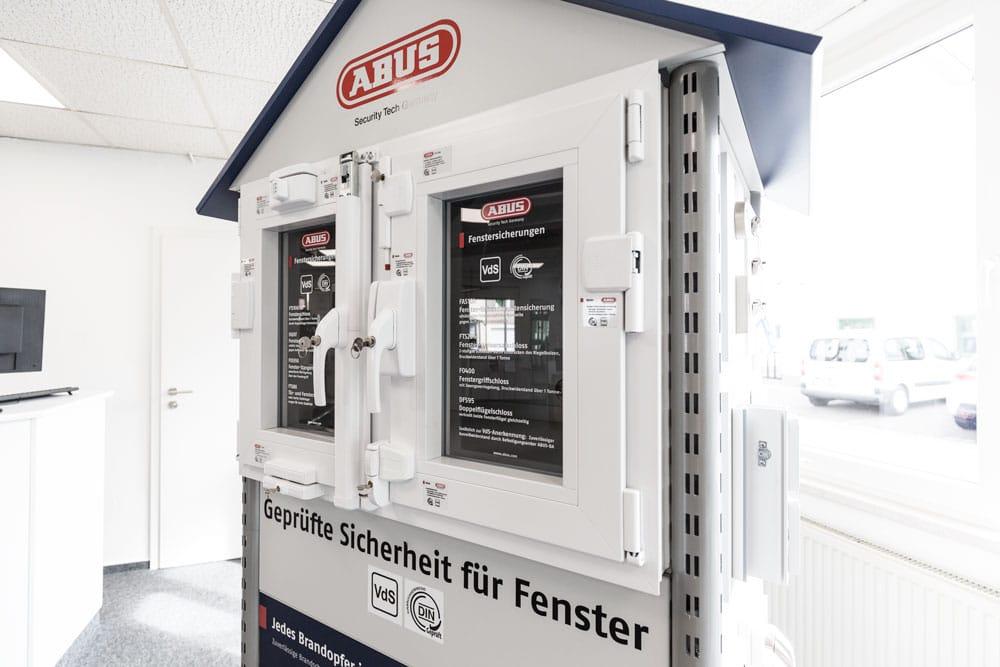 Fenster Sicherheitstechnik mechanischeNachrüstungen von ABUS